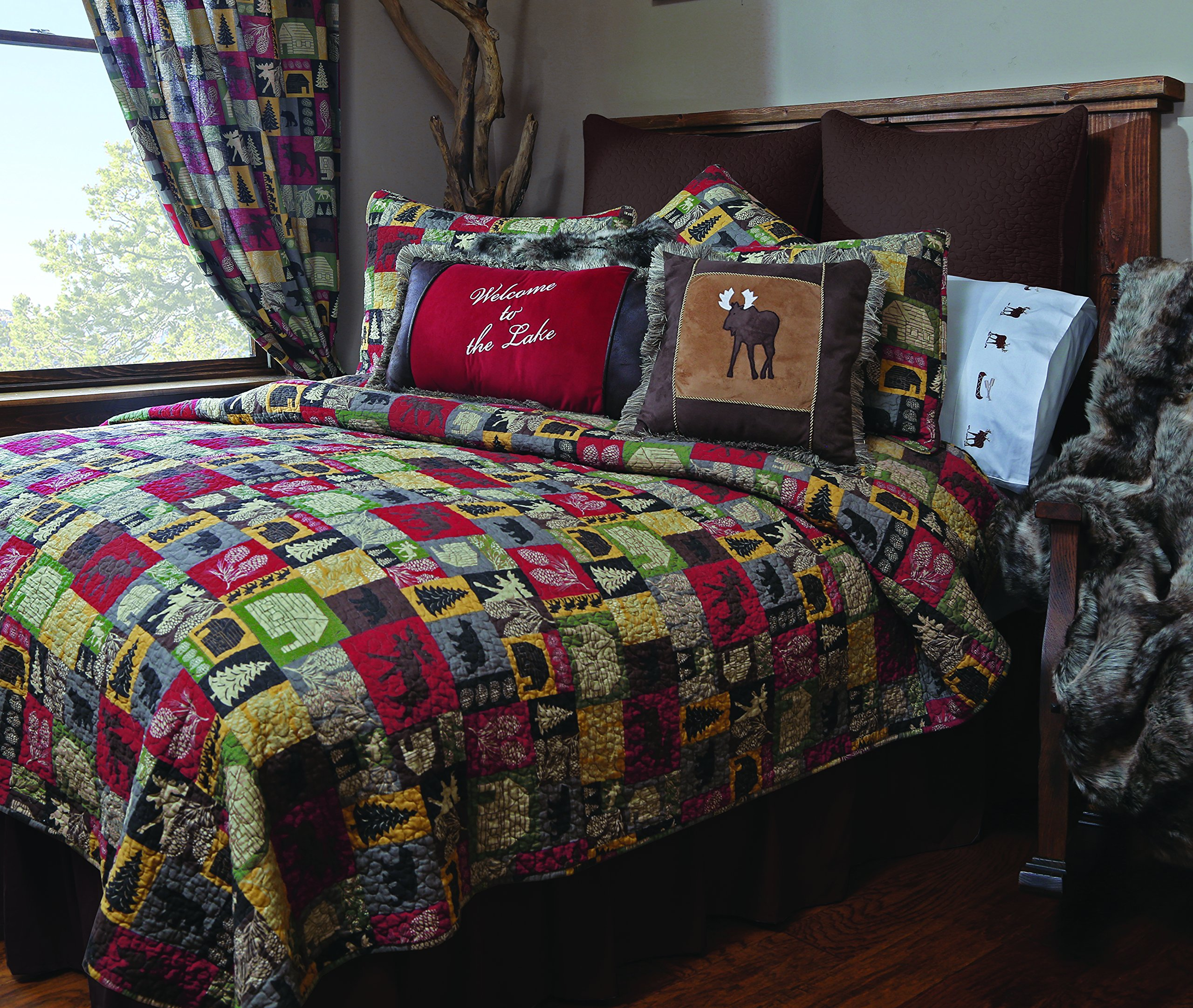 Carstens Cabin in The Woods Quilt Bedspread, Queen