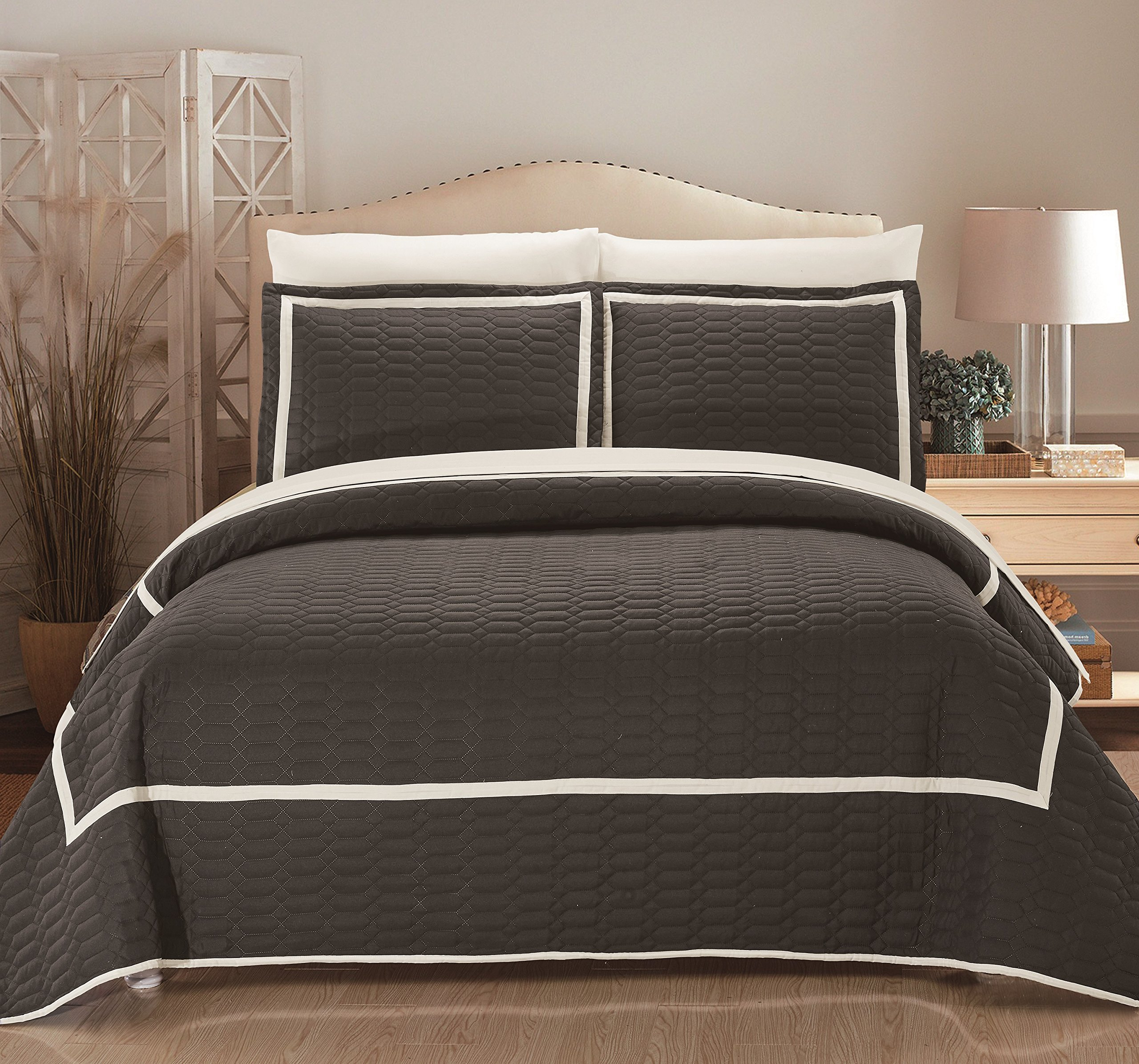 Selby 3 Piece Hotel Collection 2 tone banded Quilted Geometrical Embroidered,King Quilt Set Grey