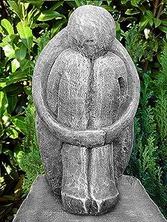 Steinfiguren Garten amazon de steinfigur träumer in schiefergrau abstrakte deko figur