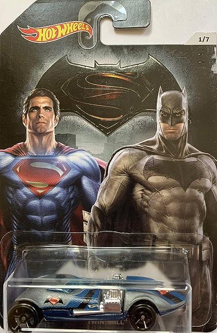 COVELIGHT Die-cast Model  kids fun NEW Hot Wheels Batman vs Superman Car