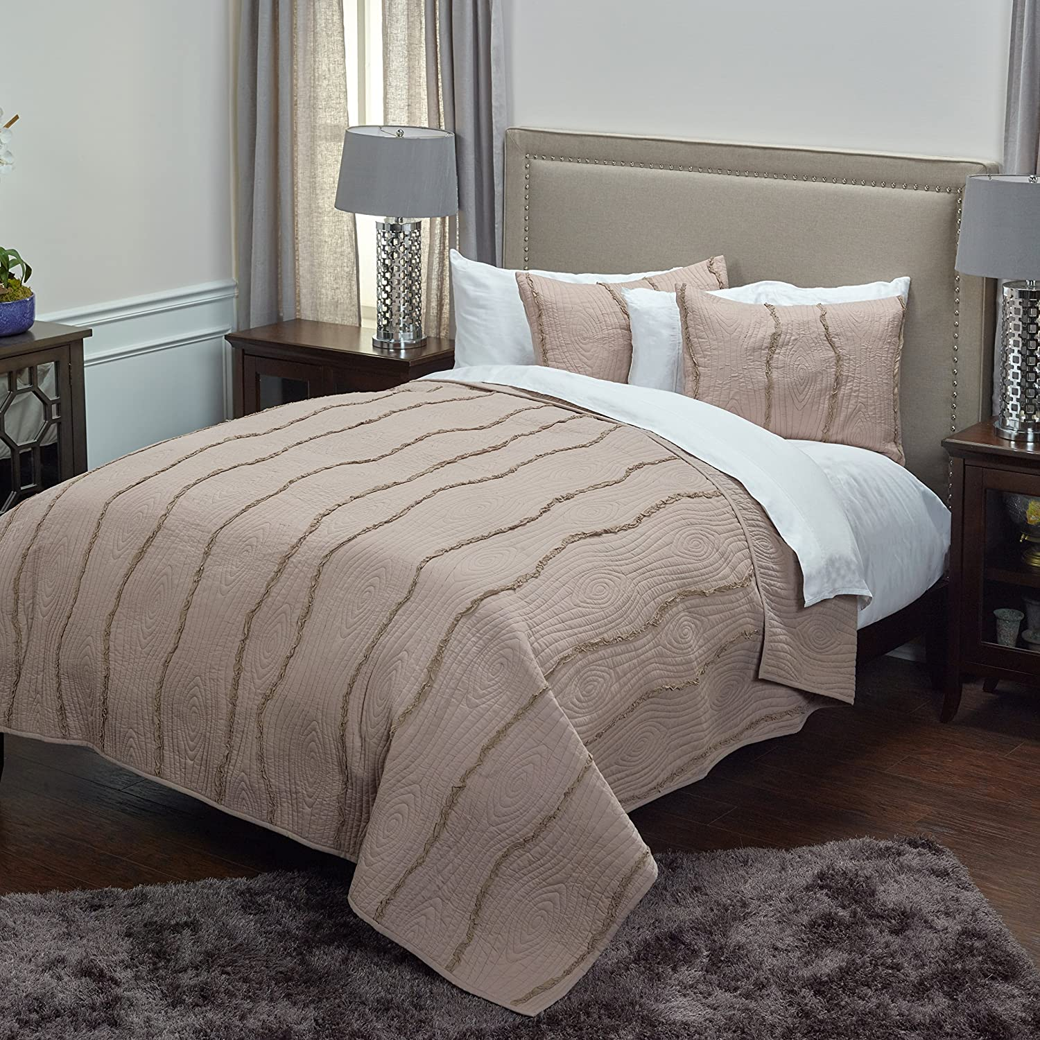 Rizzy Home BT3067 Quilt, 90