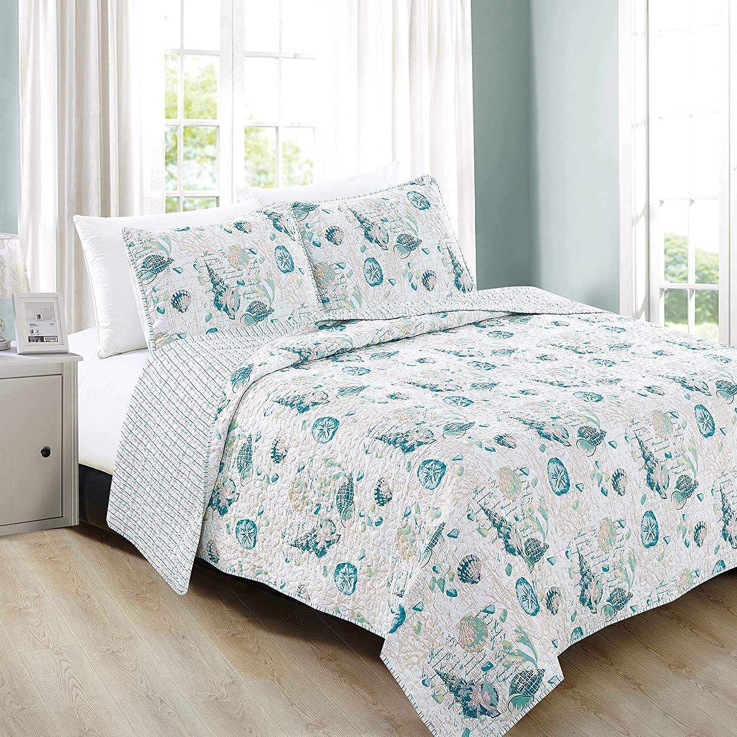 Home Fashion Designs 3-Piece Coastal Beach Theme Quilt Set with Shams. Soft All-Season Luxury Microfiber Reversible Bedspread and Coverlet. Westsands Collection Brand. (Full/Queen, Multi)