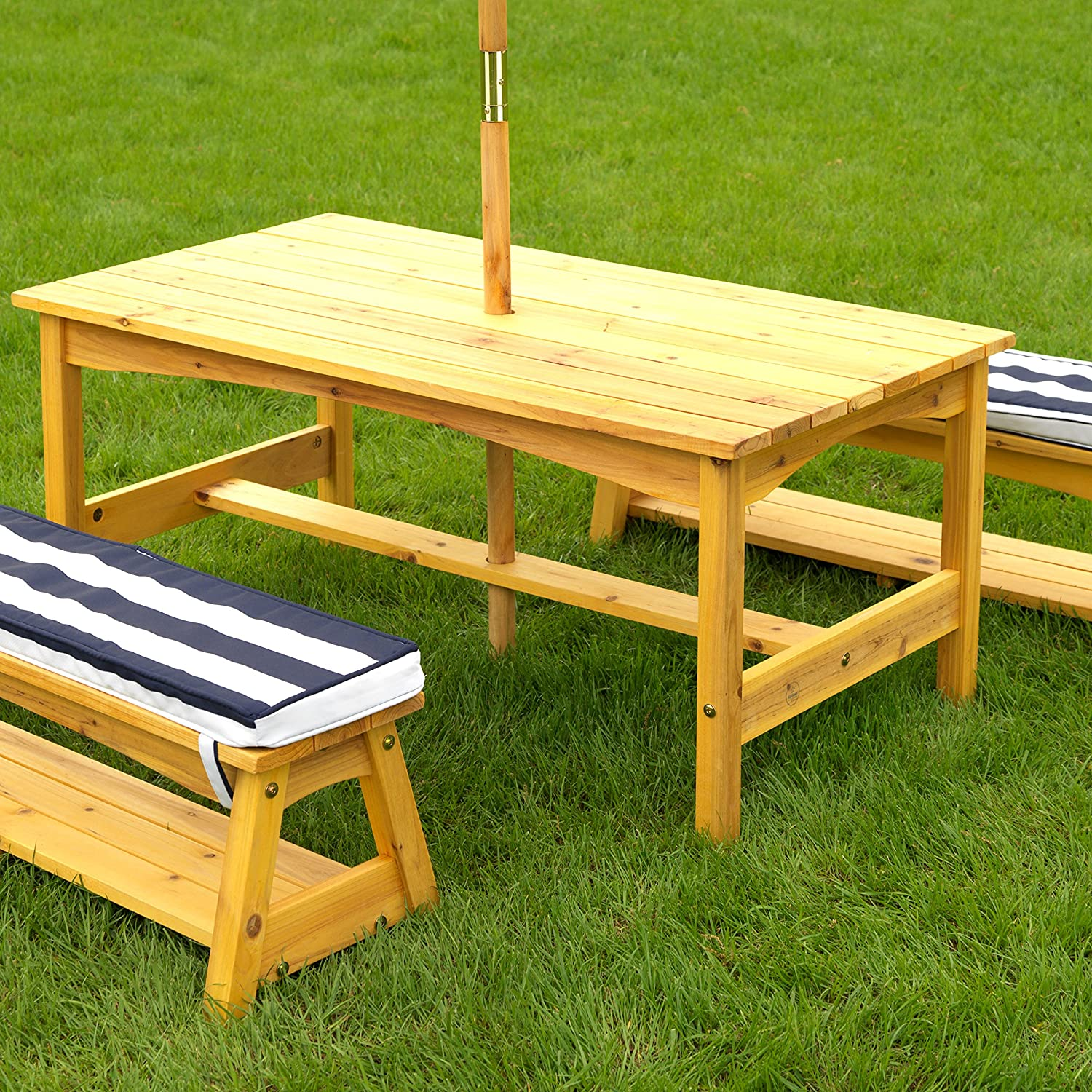 Amazon.com: KidKraft Outdoor table and Chair Set with Cushions and ...