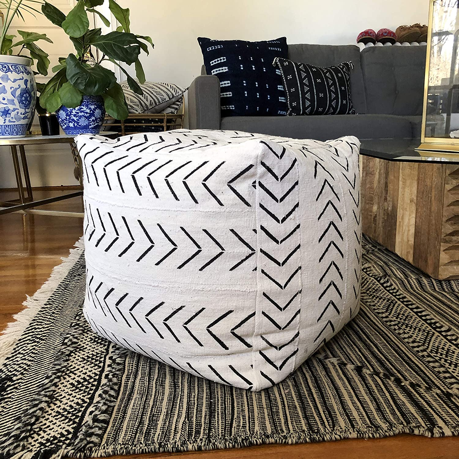 Incredible Amazon Com Black And White Arrow Print Mudcloth Square Pouf Alphanode Cool Chair Designs And Ideas Alphanodeonline
