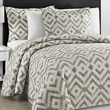 Amazon.com: Prewashed Durable Comfy Bedding Chevron Quilted Gray ... : chevron quilt bedding - Adamdwight.com