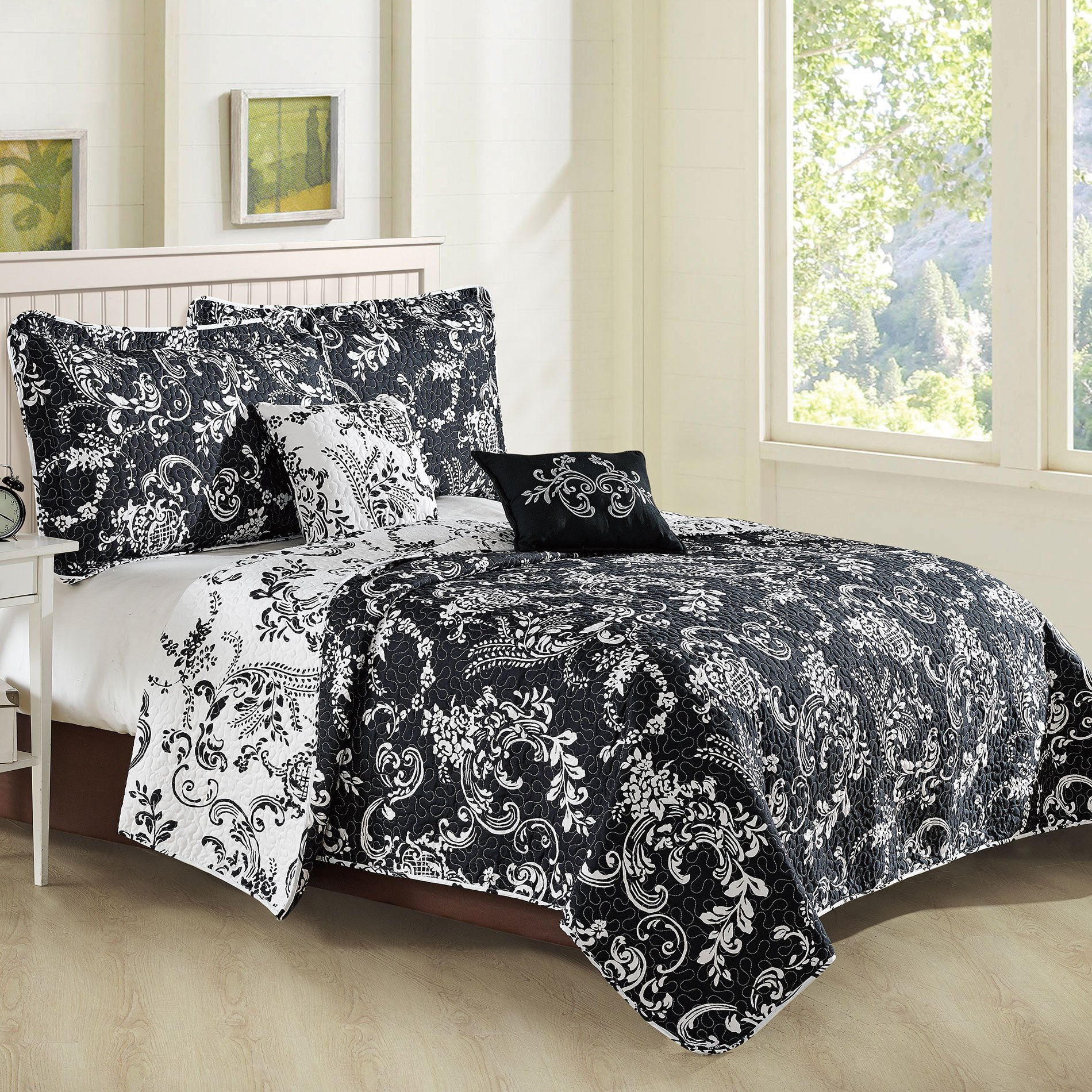 Home Soft Things 5 Piece LA Boheme Quilted Printed Bed Spread, Oversize King, Black
