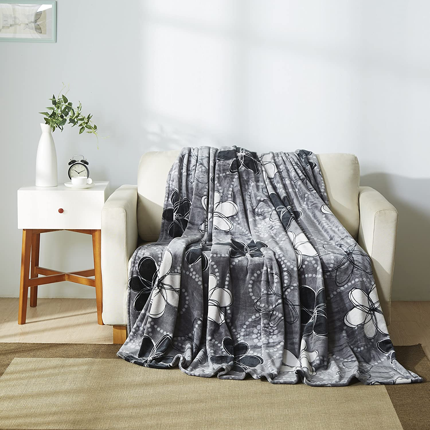 Throw Blanket (Queen Size, Grey/ White