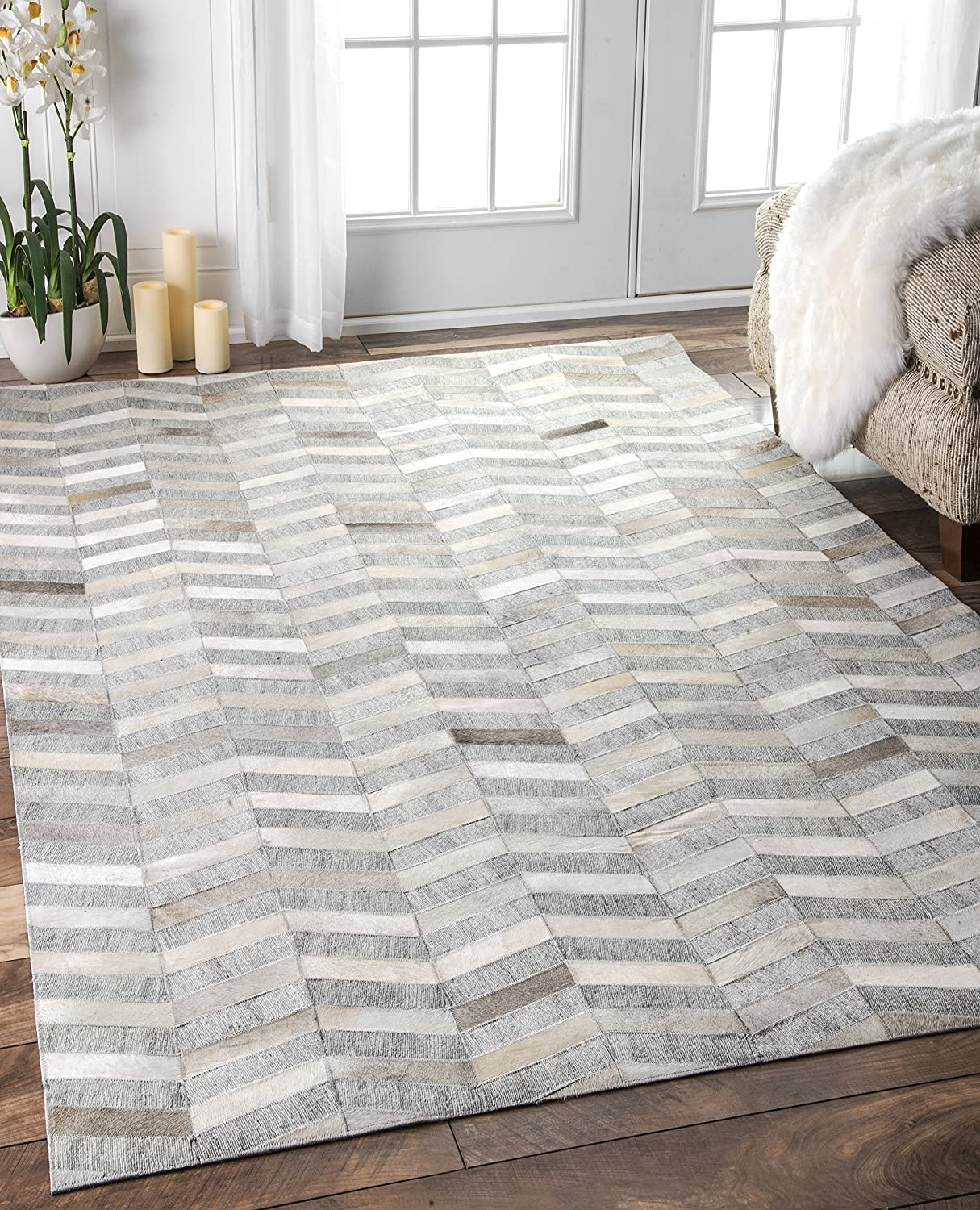 Amazon.com : Nuloom 8u0027 X 10u0027 Handmade Cowhide Mitch Rug In Silver : Garden  U0026 Outdoor