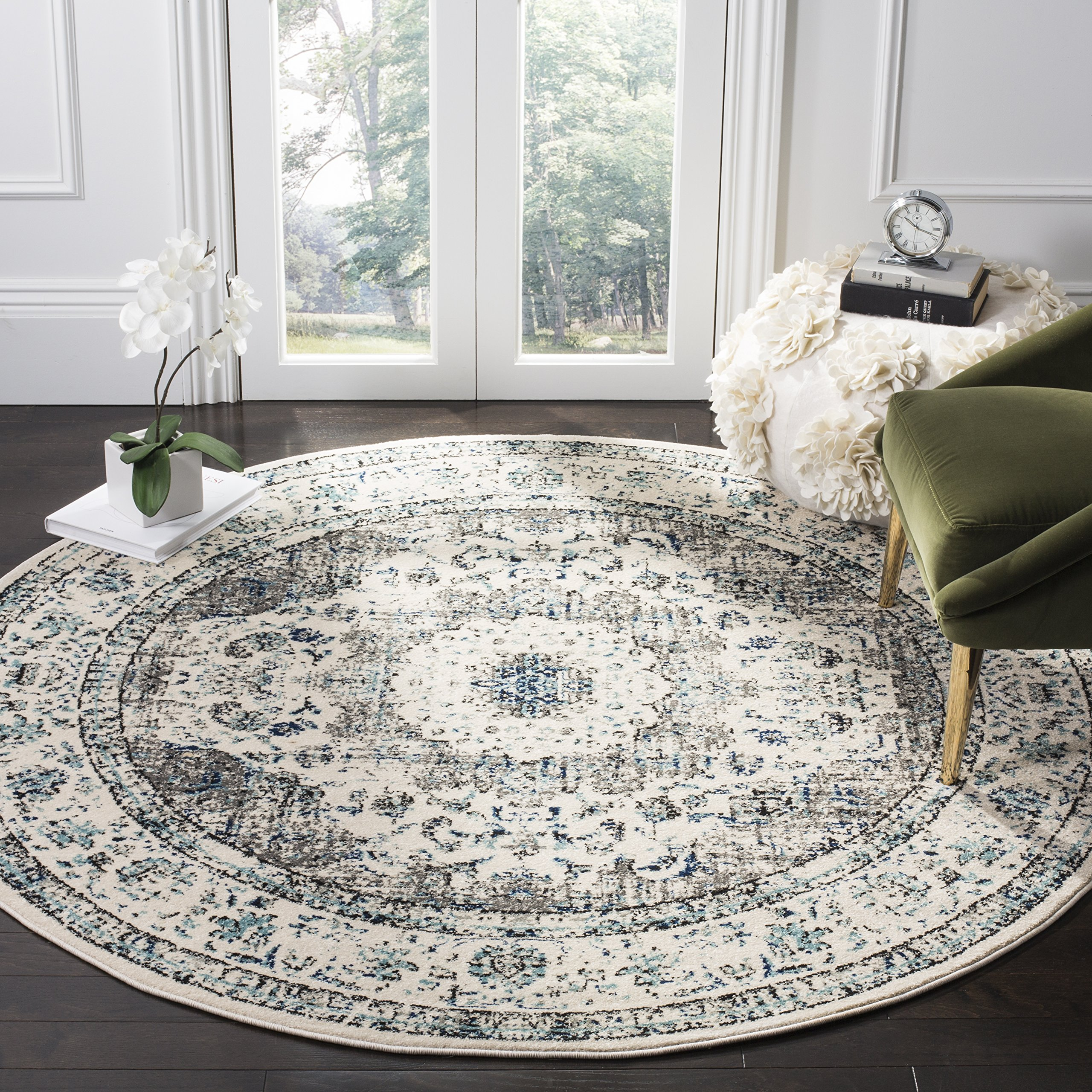 Safavieh Evoke Collection EVK220D Vintage Oriental Grey and Ivory Round Area Rug (5'1'' Diameter)