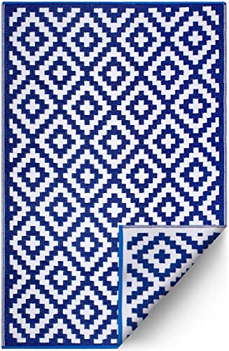 FH Home Indoor Outdoor Recycled Plastic Floor Mat Rug – Reversible – Weather UV Resistant – Aztec – Navy Blue White – 4 x 6