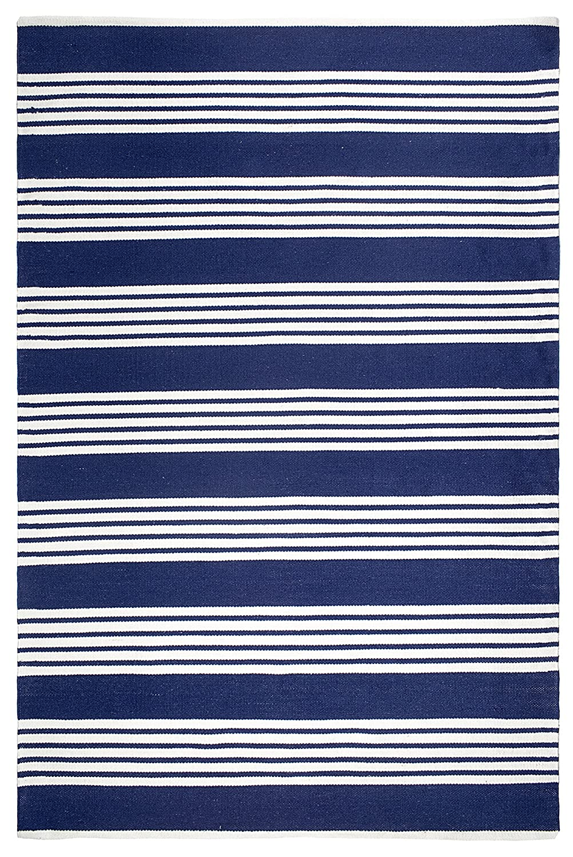 Fab Hab Hab - Mariona Streifen - Blau & Weiß Flachgewebe Teppich aus recyceltem PET (Polyestergarn) für den Innen-   Außenbereich (90 cm x 150 cm)