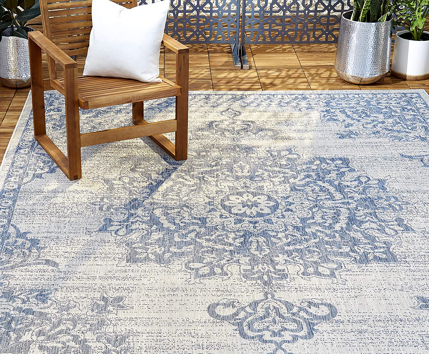 "Home Dynamix Nicole Miller Patio Country Azalea Indoor/Outdoor Area Rug 7'9""x10'2"", Traditional Medallion Gray/Blue"