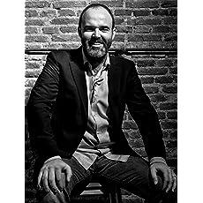 About Leandro Pérez