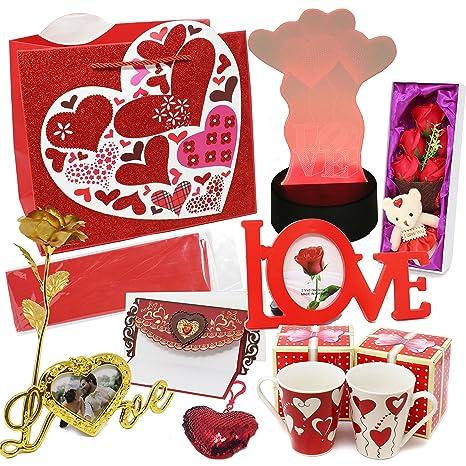 Amazon Com Joyin Toy Deluxe Valentine S Day Gift Set With Led Decor