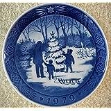 1979 Royal Copenhagen Christmas Plate - Choosing the Tree