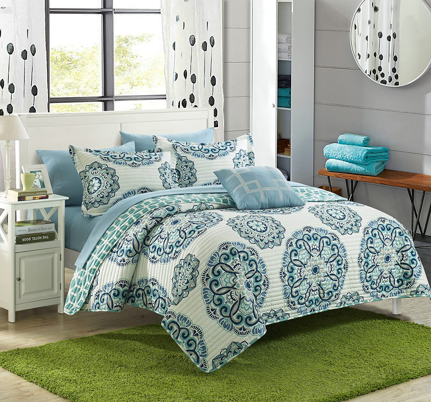 Chic Home Madrid 4 Piece Reversible Quilt Set Super Soft Microfiber Large Printed Medallion Design with Geometric Patterned Backing Bedding, King, Green