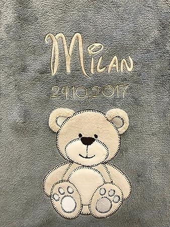 Kuschelige Babydecke mit besticktem Name und Datum