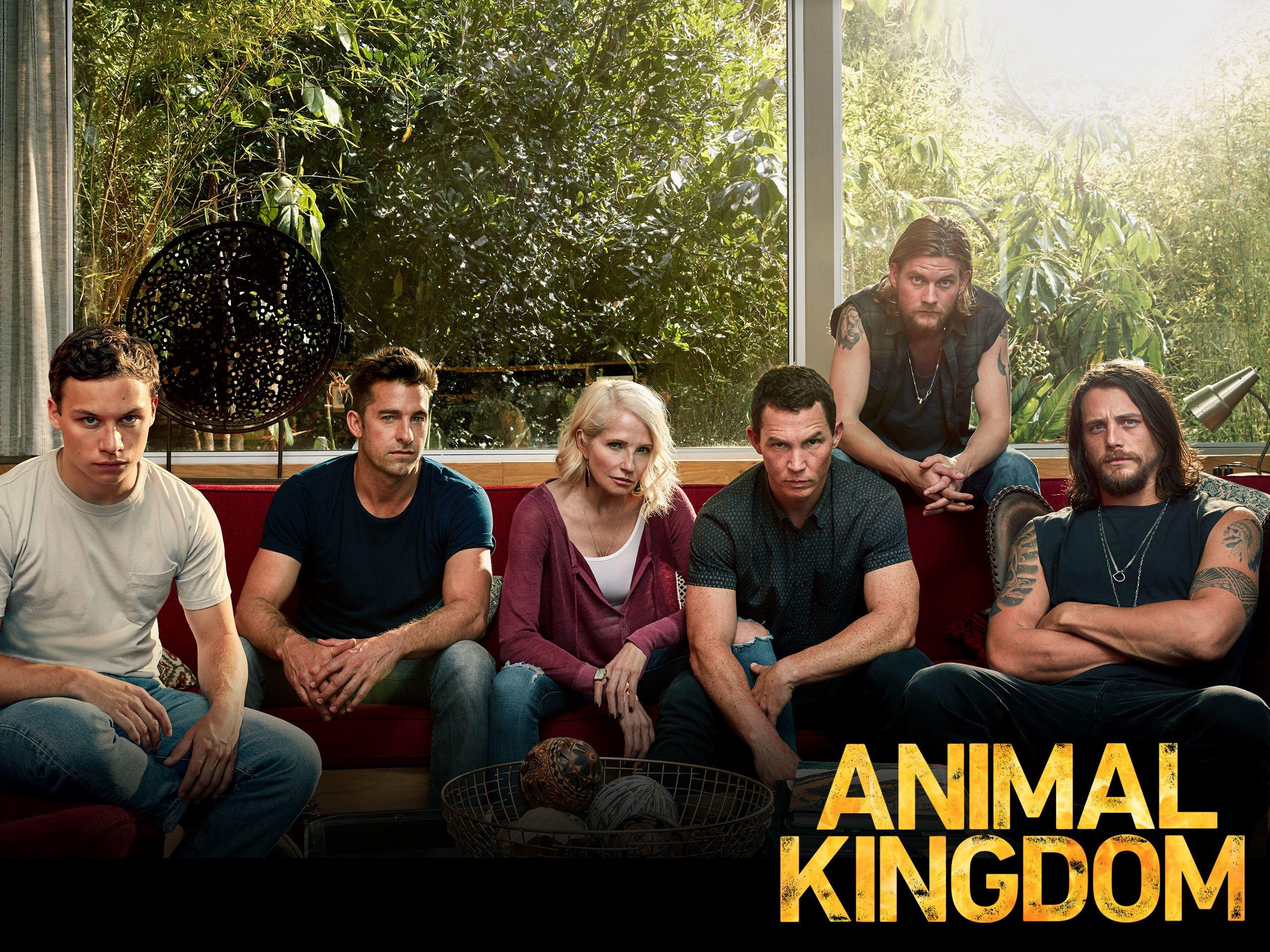 5fea616fcc Amazon.com  Watch Animal Kingdom  Season 2