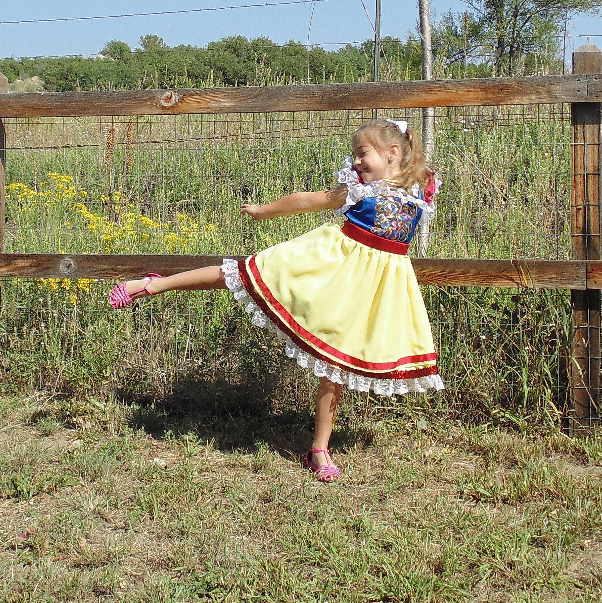Girls 5-6 Snow White Princess apron