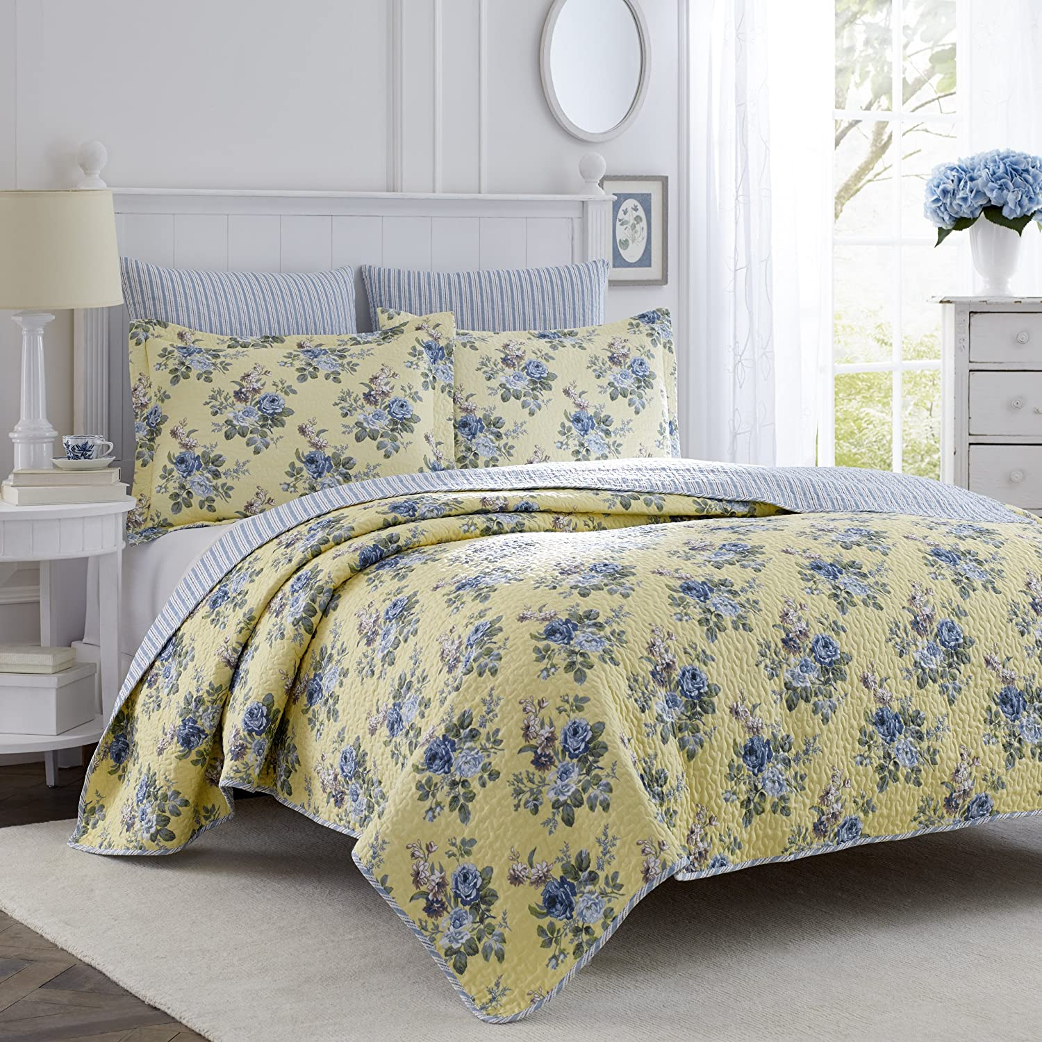 Amazon.com: Laura Ashley Linley Quilt Set, Full/Queen: Home & Kitchen : laura ashley caroline quilt - Adamdwight.com