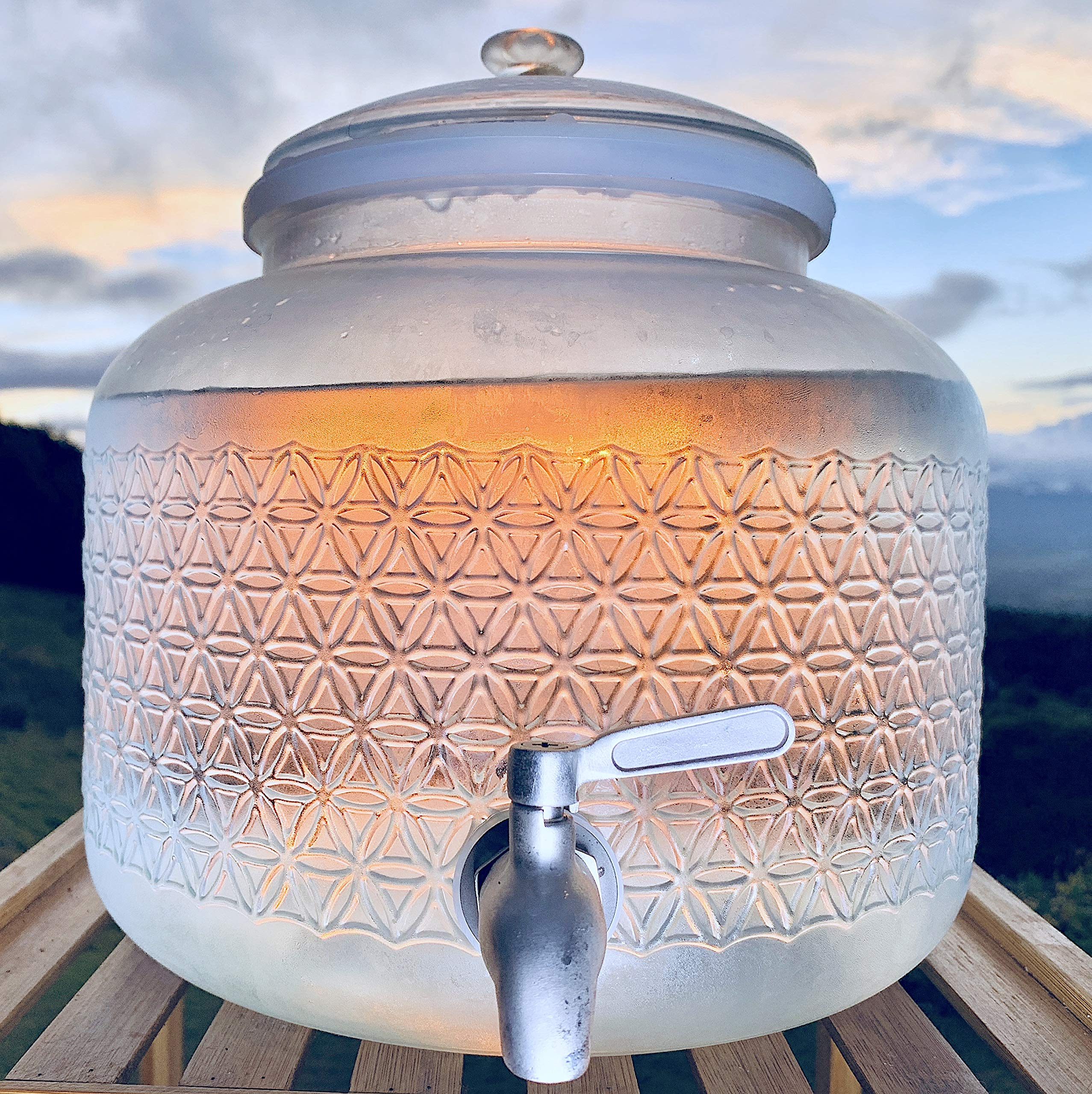 2.5 gallon glass jug/ dispenser combo set