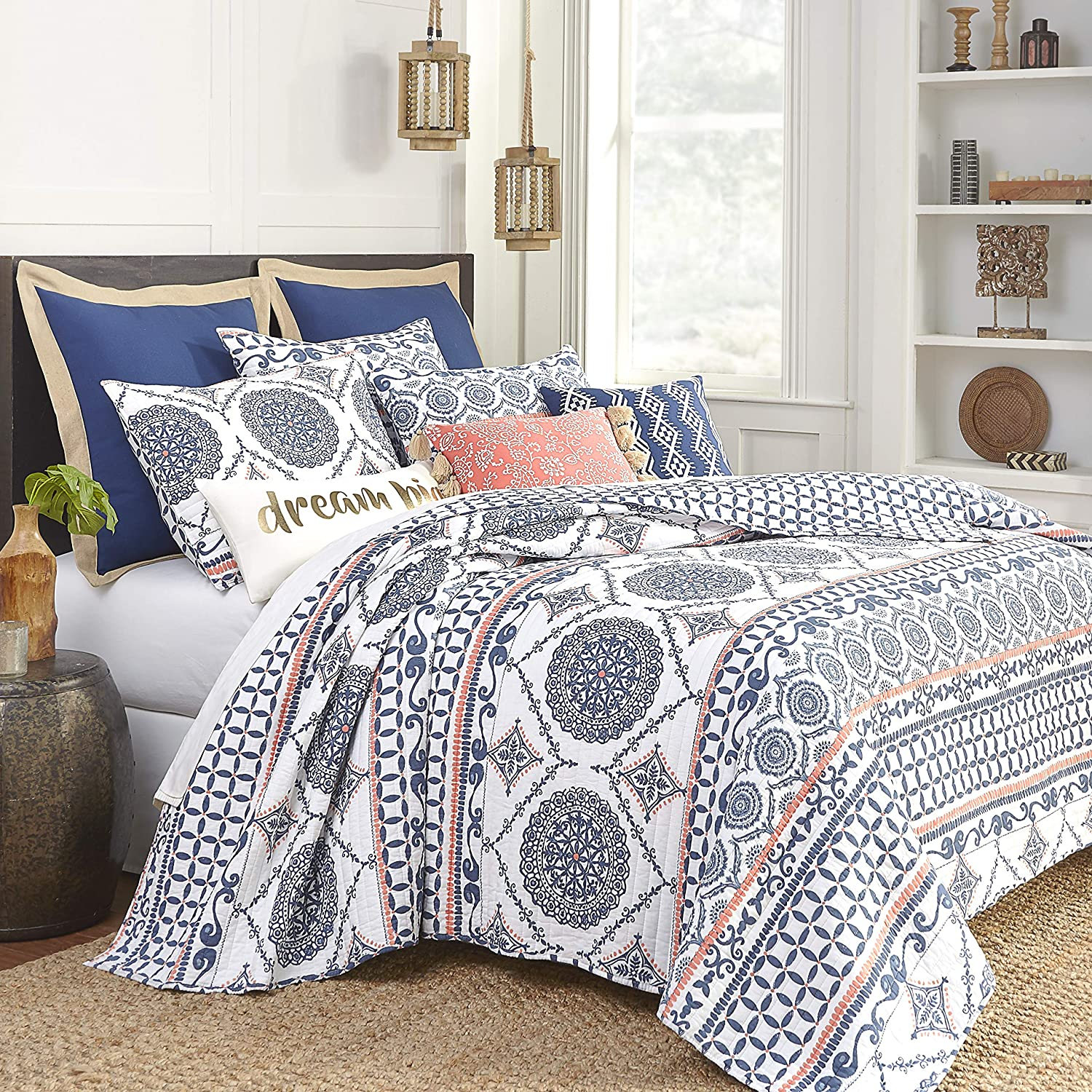 Amazon Com Levtex Home Caperoad Quilt Set King Two Pillow Shams Medallion Geometric In Navy White Tangerine Size 106x92in And Sham 36x20in