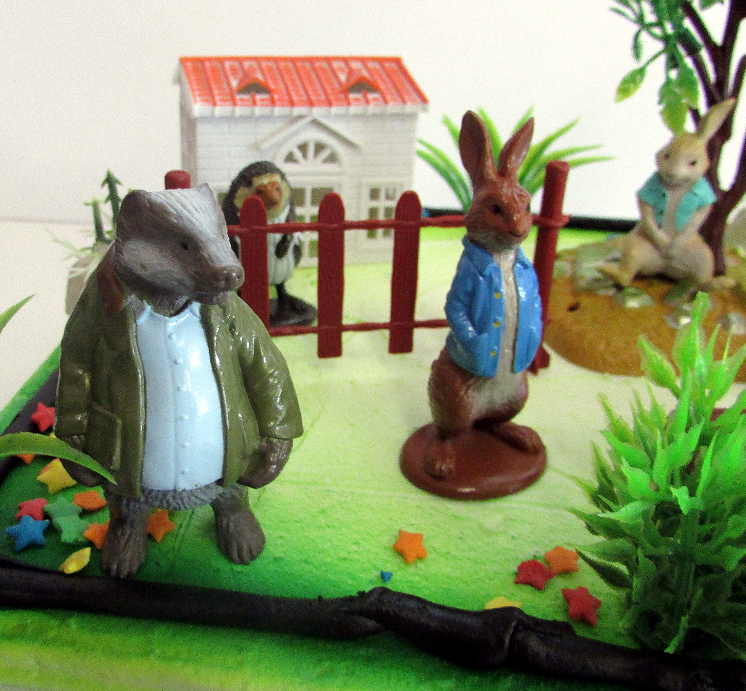 Cake Toppers Beatrix Potter Peter Rabbit Birthday Set Featuring Peter Rabbit and Friends Figures with Decorative Themed Accessories by Cake Toppers (Image #3)