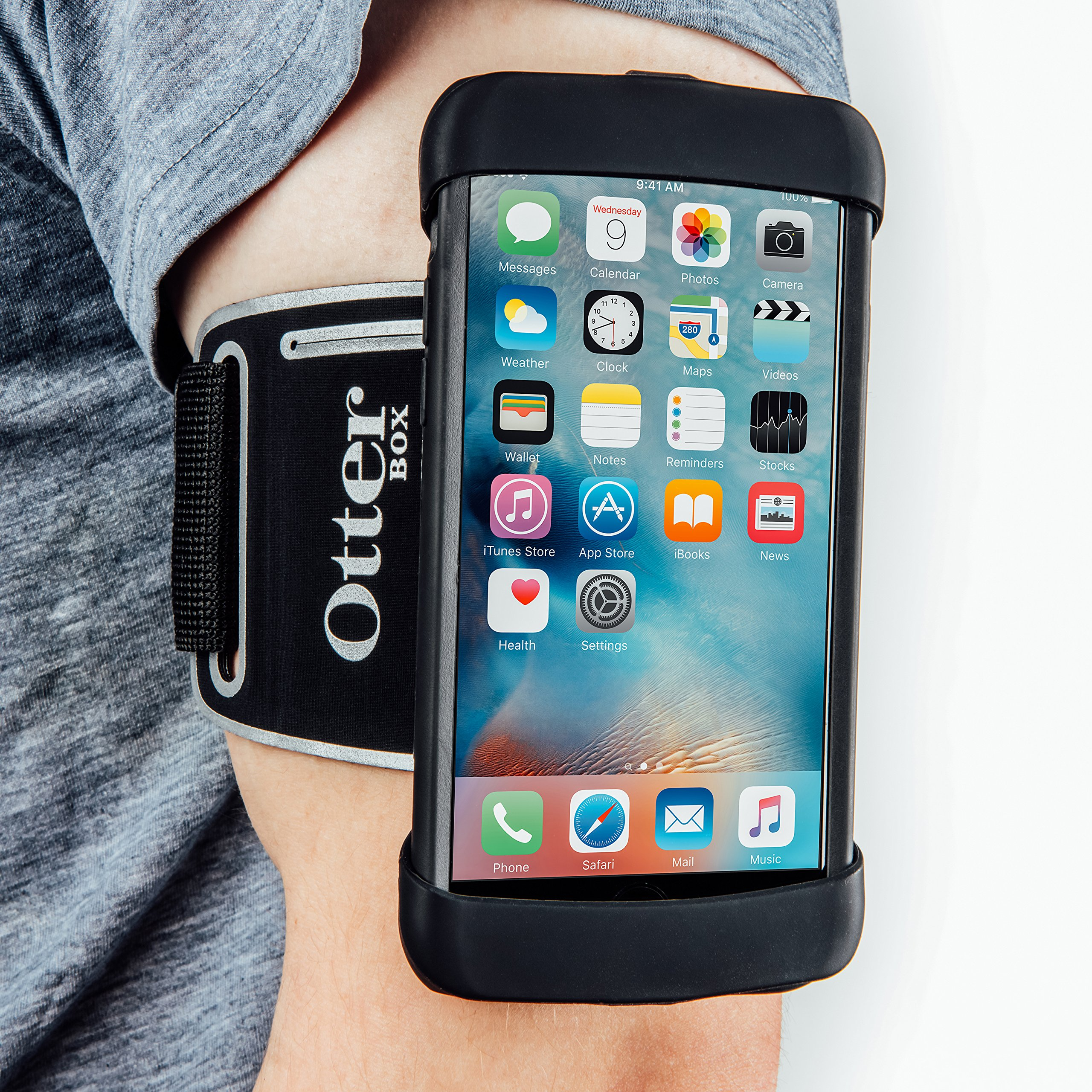 OtterBox Universal Armband for 4''-5'' Smartphones - Retail Packaging - Black