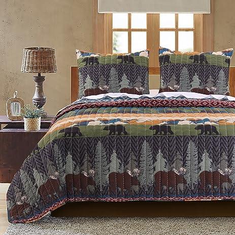 Amazon.com: Greenland Home Black Bear Lodge Quilt Set, 3-Piece ... : moose lodge quilt set - Adamdwight.com
