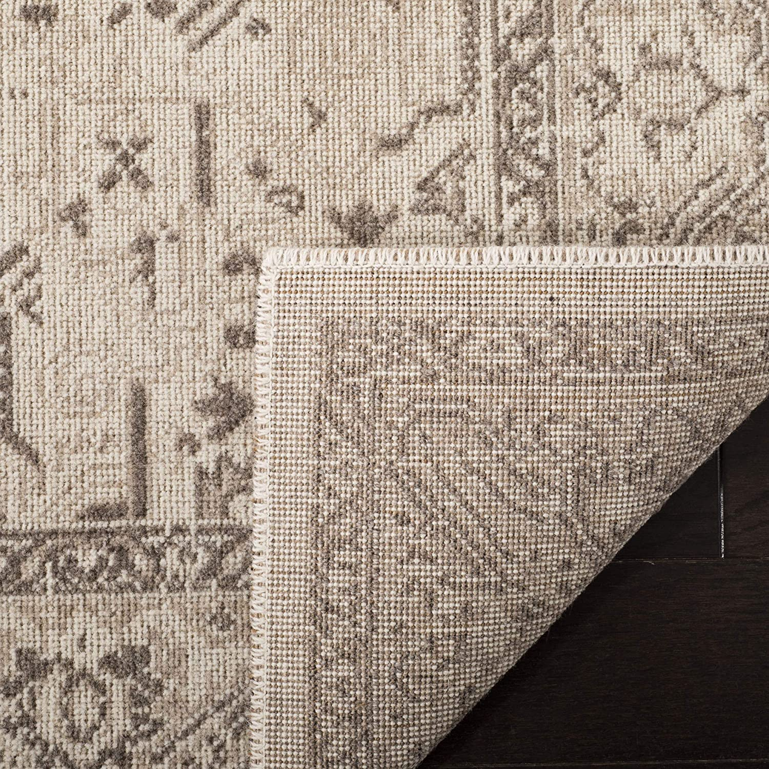 ESS750A-28 23 x 8 Safavieh Essence Collection ESS750A Natural Taupe Runner