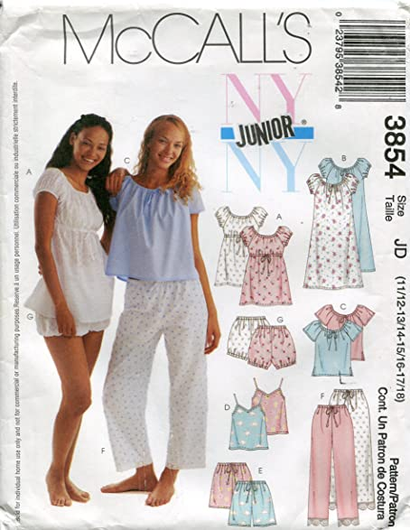 Amazon.com: Mccall\'s Jr Sewing Pattern 3854 -Sizes 11/12 to 17/18 ...