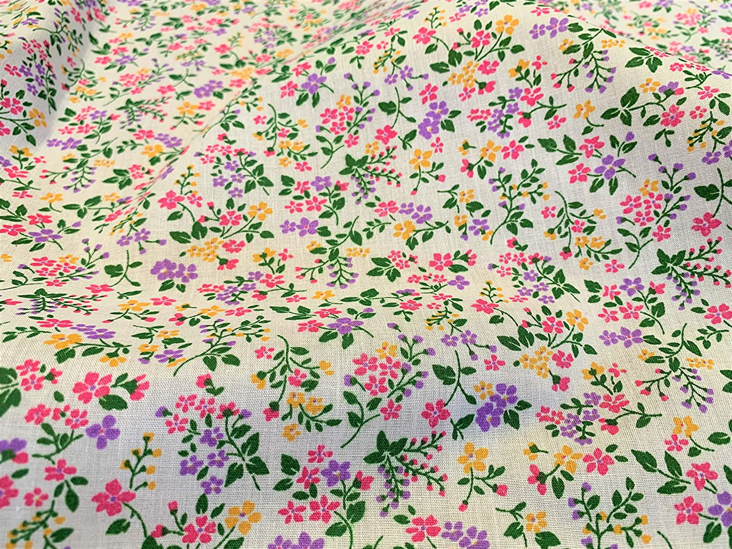 Pink Floral Material Candy Pink Ditsy Daisy 100/% Craft Cotton Fabric