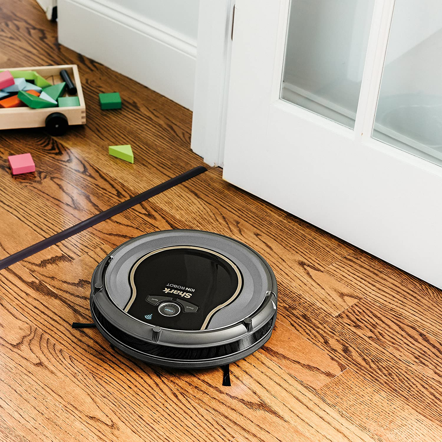 Shark ION RV750 Robot Vacuum Cleaner