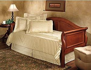 Hillsdale Furniture Bedford Daybed (Includes Suspension Deck)