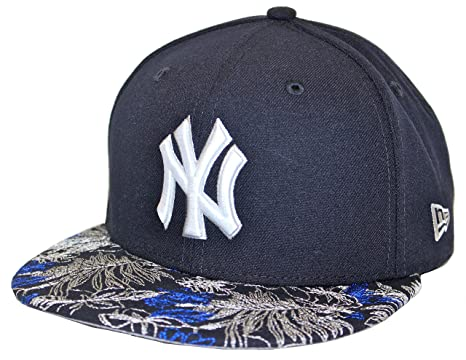 50251ccbca7b5 New Era Floral Choice New York Yankees Navy Fitted Cap at Amazon ...