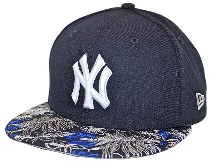8ab87bb6816 New Era Floral Choice New York Yankees Navy Fitted Cap at Amazon ...