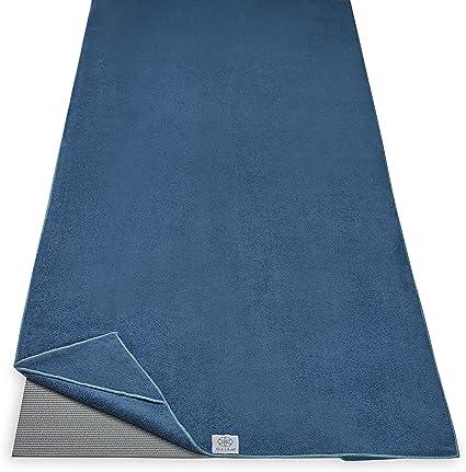 Amazon Com Gaiam Stay Put Yoga Towel Mat Size Yoga Mat Towel Fits Over Standard Size Yoga Mat 68 L X 24 W Lake Sports Outdoors