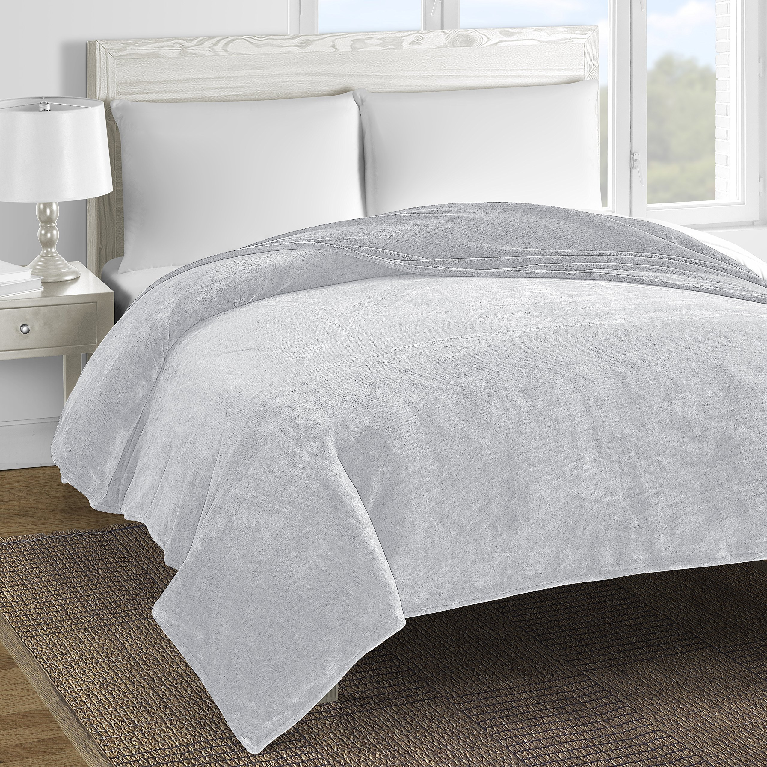 Comfy Bedding Double-Layer Soft and Cozy Fleece Bed Blanket (King, Light Grey)