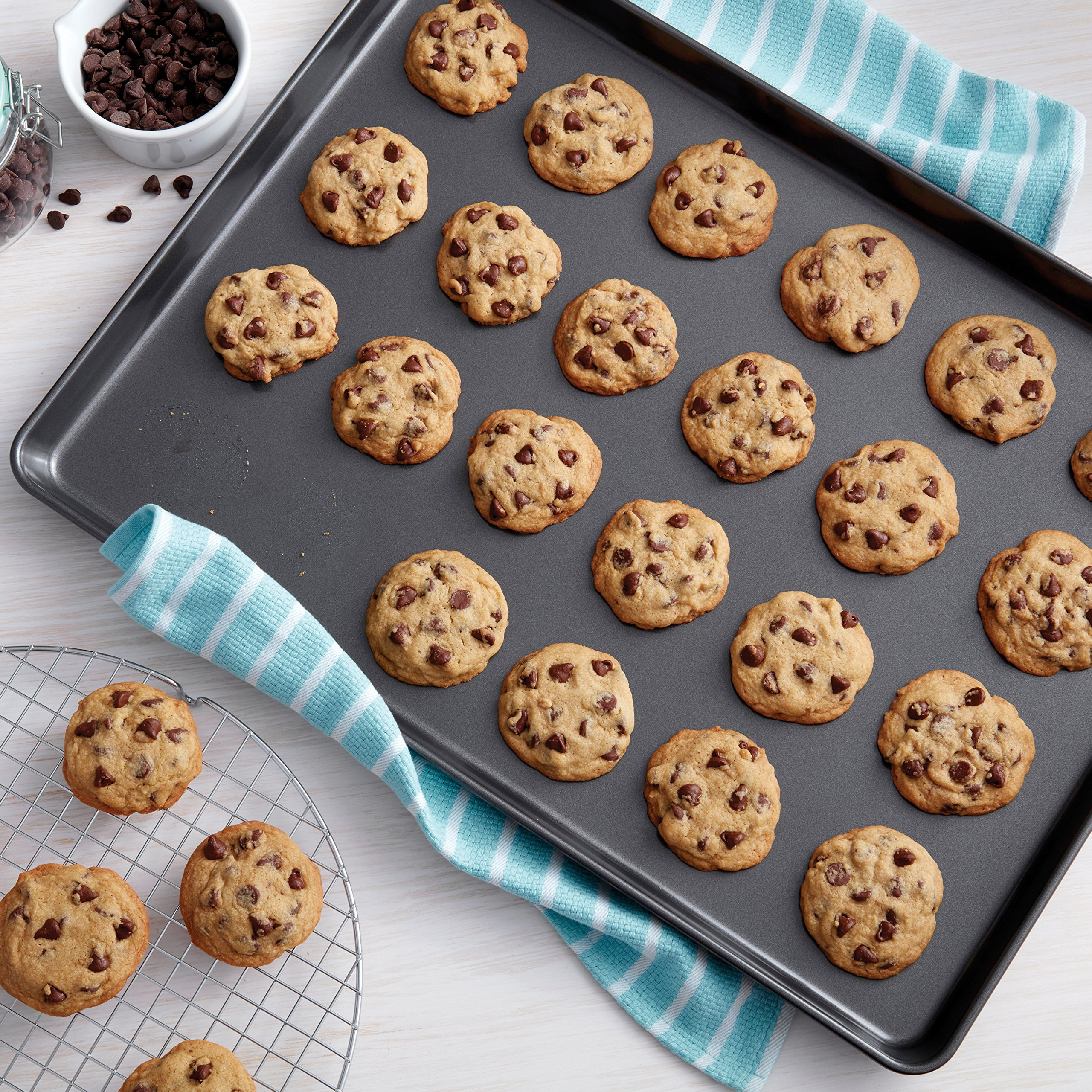 Wilton 15 x 21-Inch 2105-0109 Perfect Results Non-Stick Mega Large Cookie Pan by Wilton (Image #4)