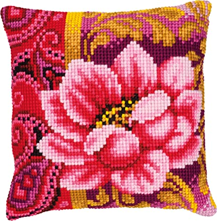 Cuscini Ricamati A Punto Croce.Vervaco Kit Per Cuscino Ricamato A Punto Croce Fiore Rosa Amazon