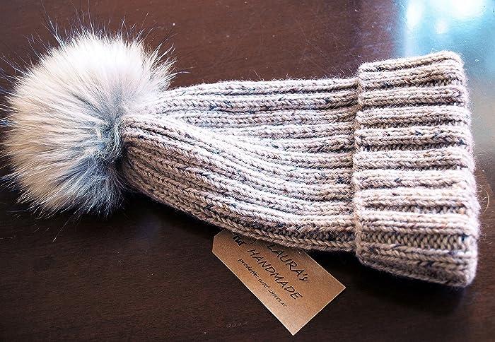 Cappello in pura lana vergine beige tweed con pom pom in pelliccia ... 257bb493def1
