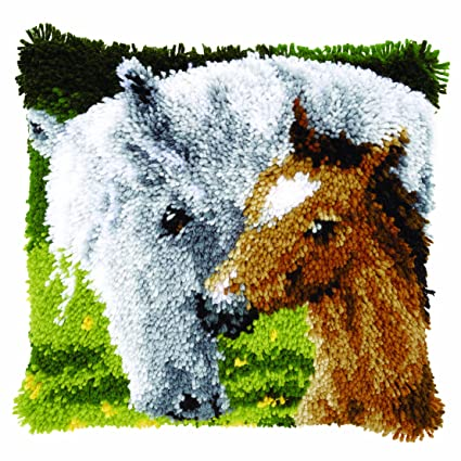 Amazon.com: craftways Mother & Her Foal Kit de ganchillo ...