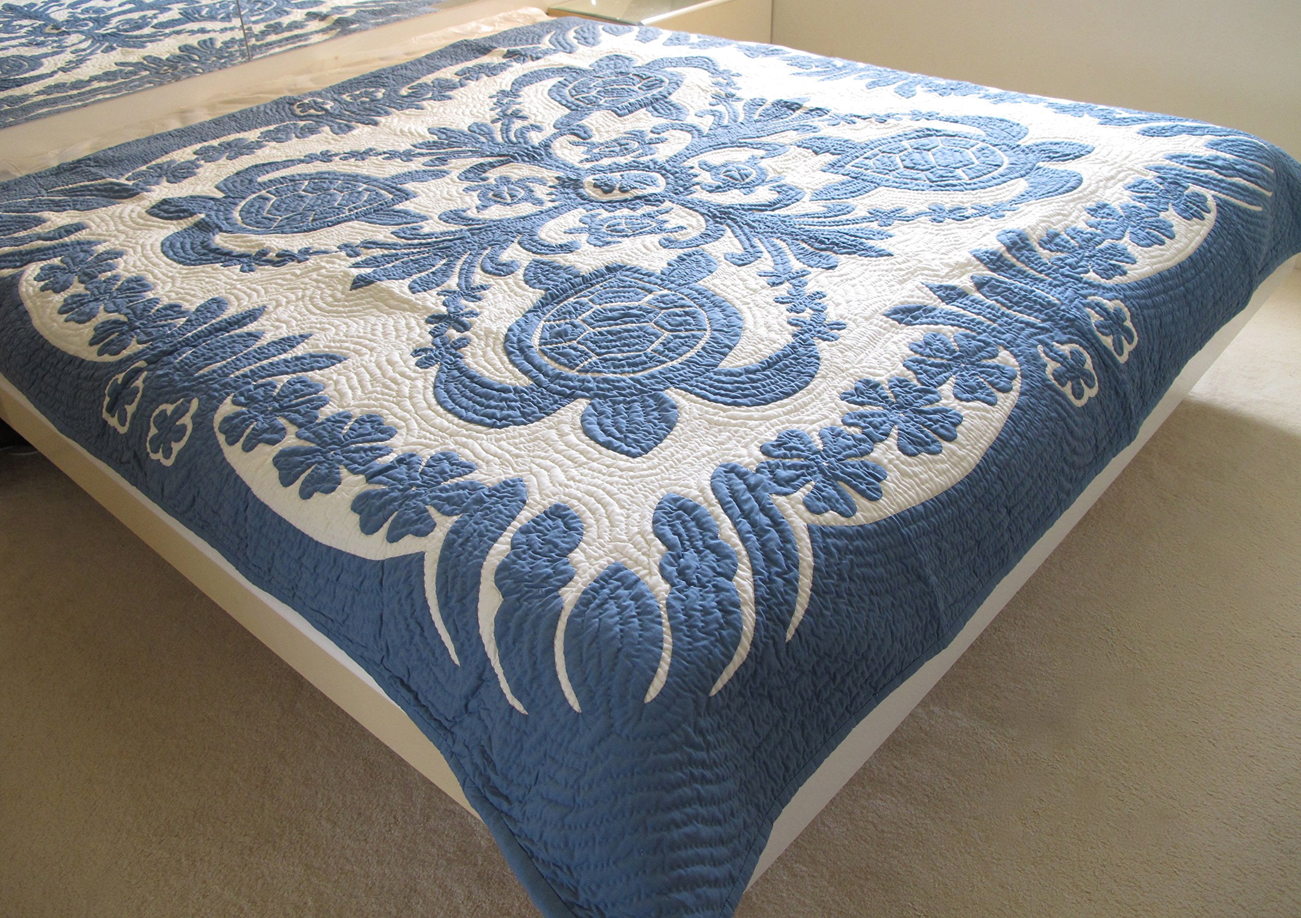 Hawaiian Quilt Full/Twin bedspread/wall hanging, 100% hand quilted and 100% hand appliquéd 80'' x 80'' by Hawaiian Quilt Wholesale