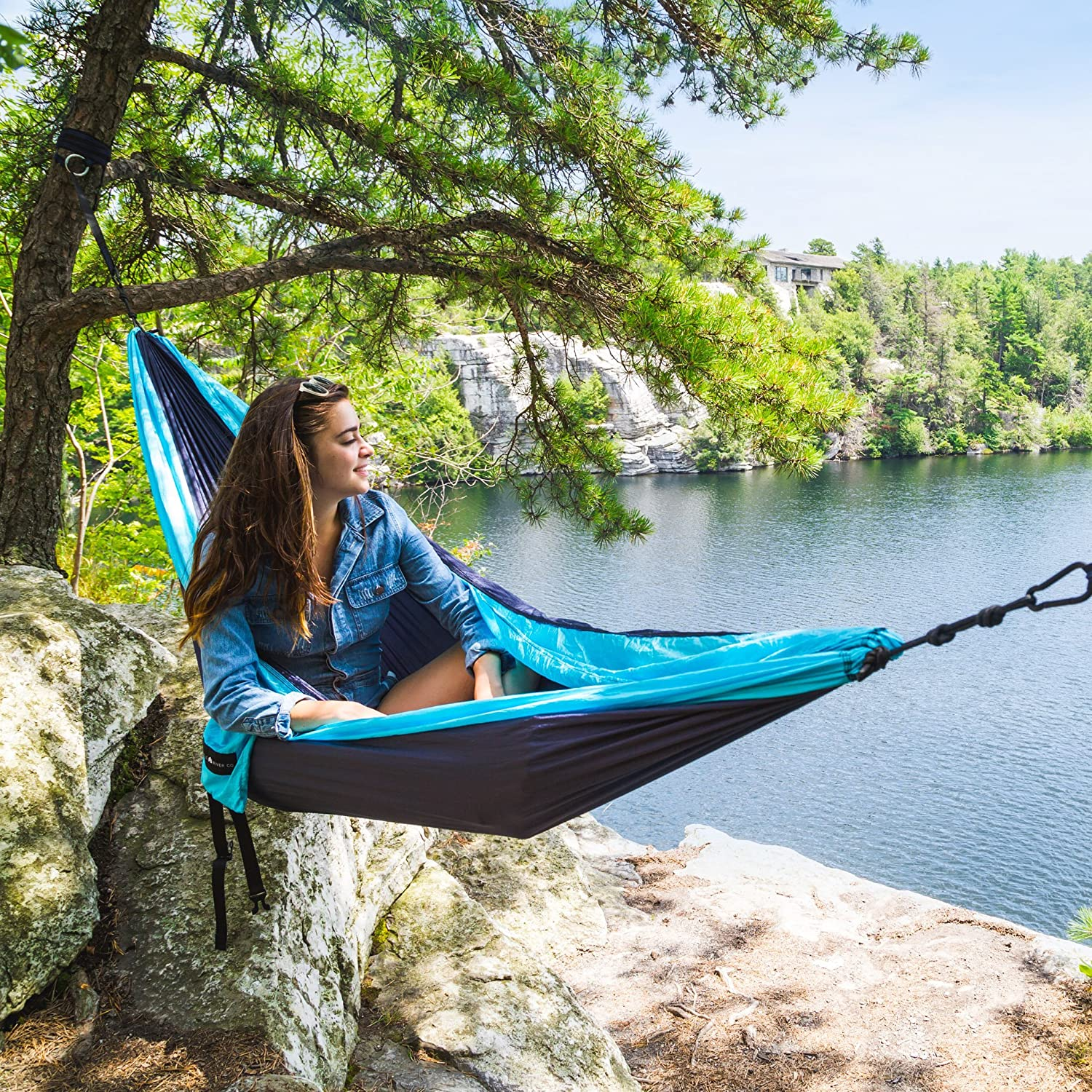 amazon    ultra durable camping double hammock nylon parachute fabric    pact  u0026 portable for indoor  u0026 outdoor relaxation   400 lb capacity with hanging     amazon    ultra durable camping double hammock nylon parachute      rh   amazon