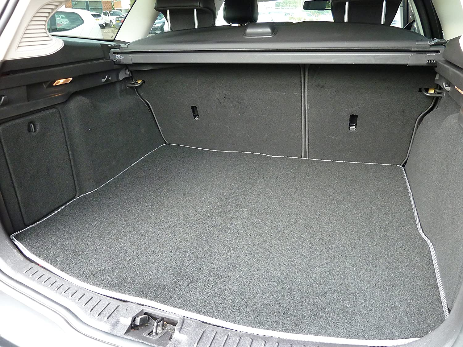 MK 4 2013-2015 Black with Grey Trim Connected Essentials Tailored Custom Fit Luxury Automotive Velour Carpet Boot Mat Boot Liner for Mondeo