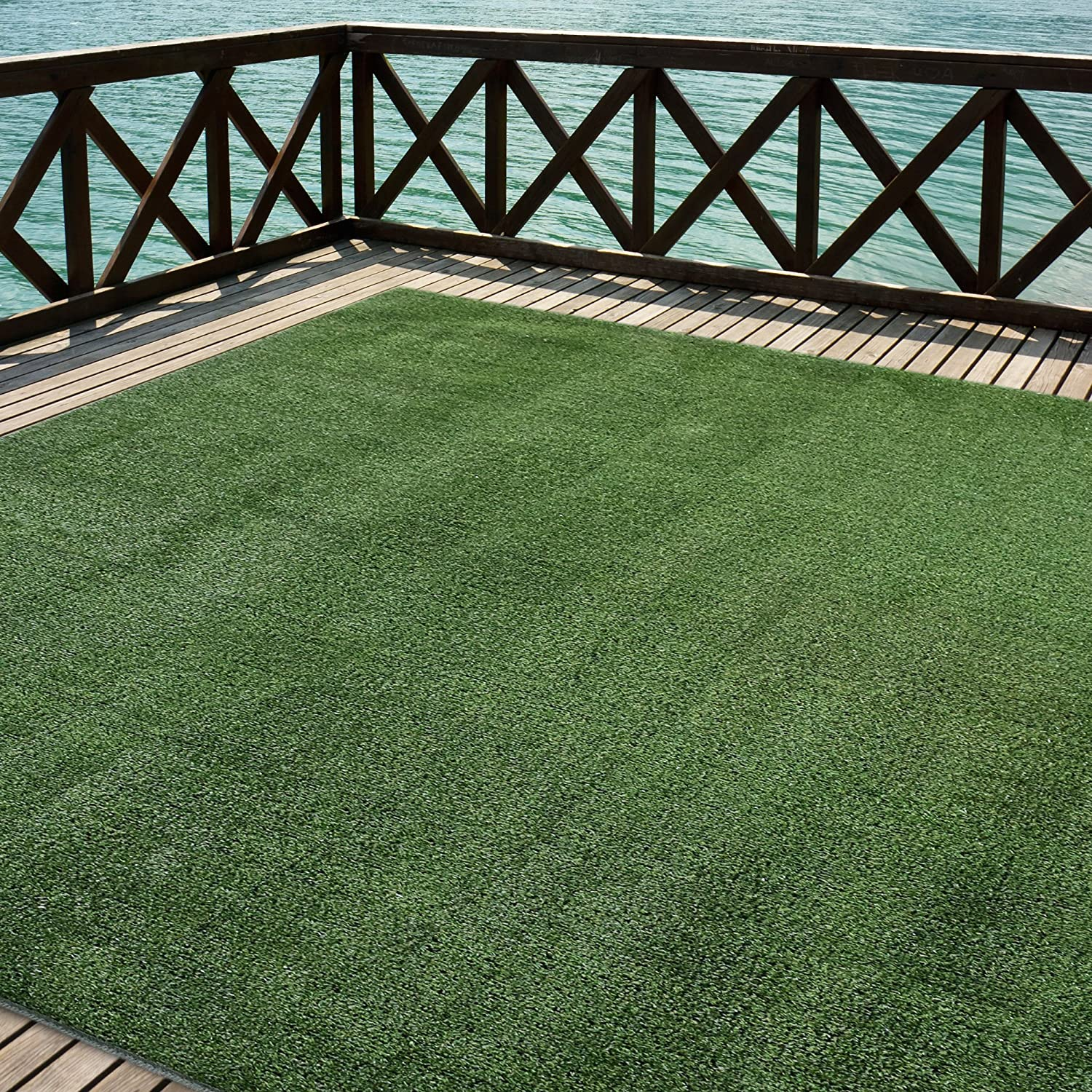 Amazon iCustomRug Outdoor Turf Rug in Green Artificial Grass