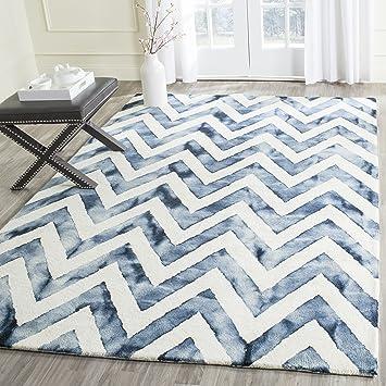 Amazon Com Safavieh Dip Dye Collection Ddy715p Handmade Chevron Watercolor Premium Wool Area Rug 8 X 10 Ivory Navy Furniture Decor