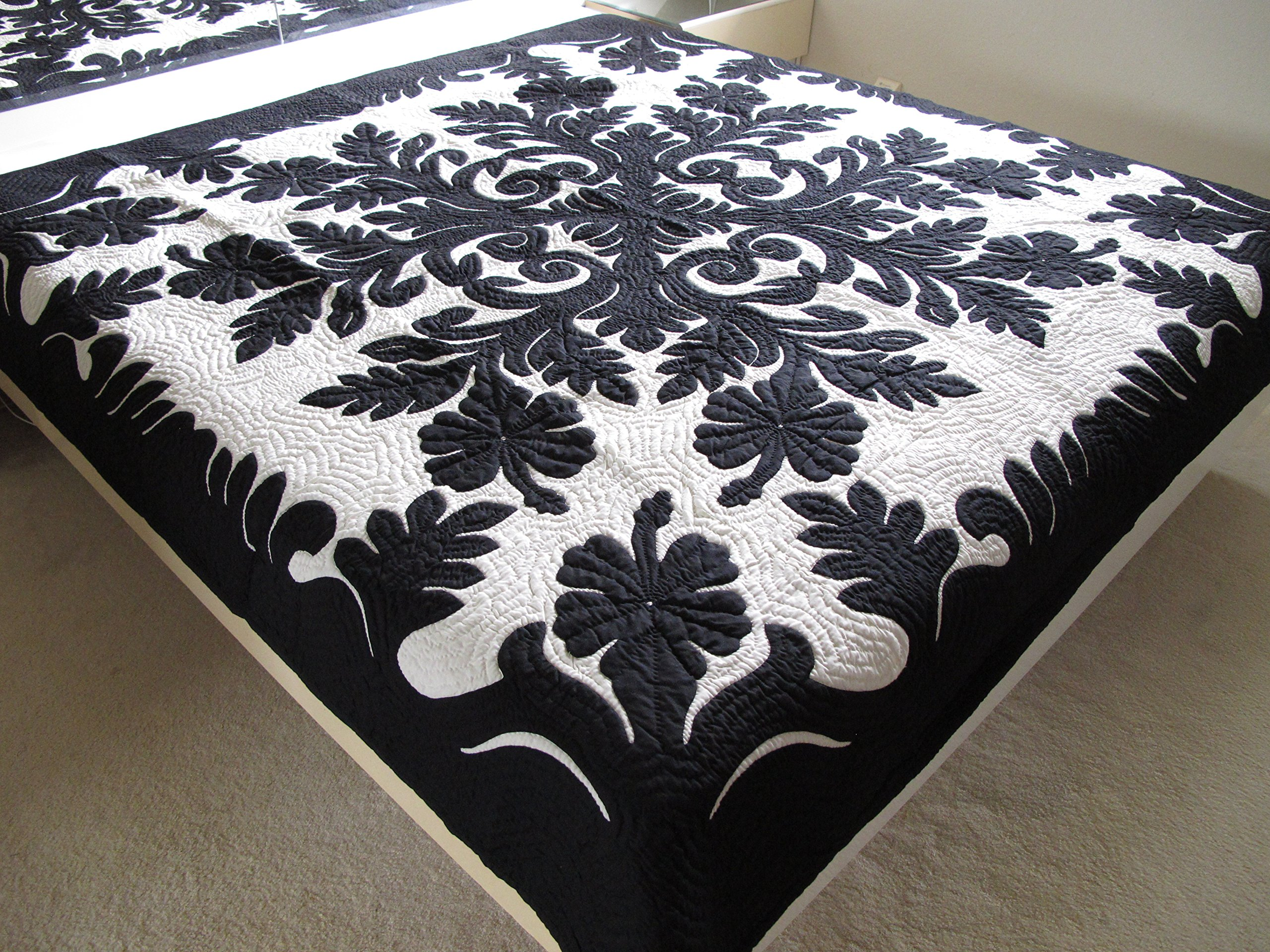 Hawaiian Quilt Full/twin Bedspread, 100% Hand Quilted and Hand Appliquéd, Wall Hanging 80'' x 80''