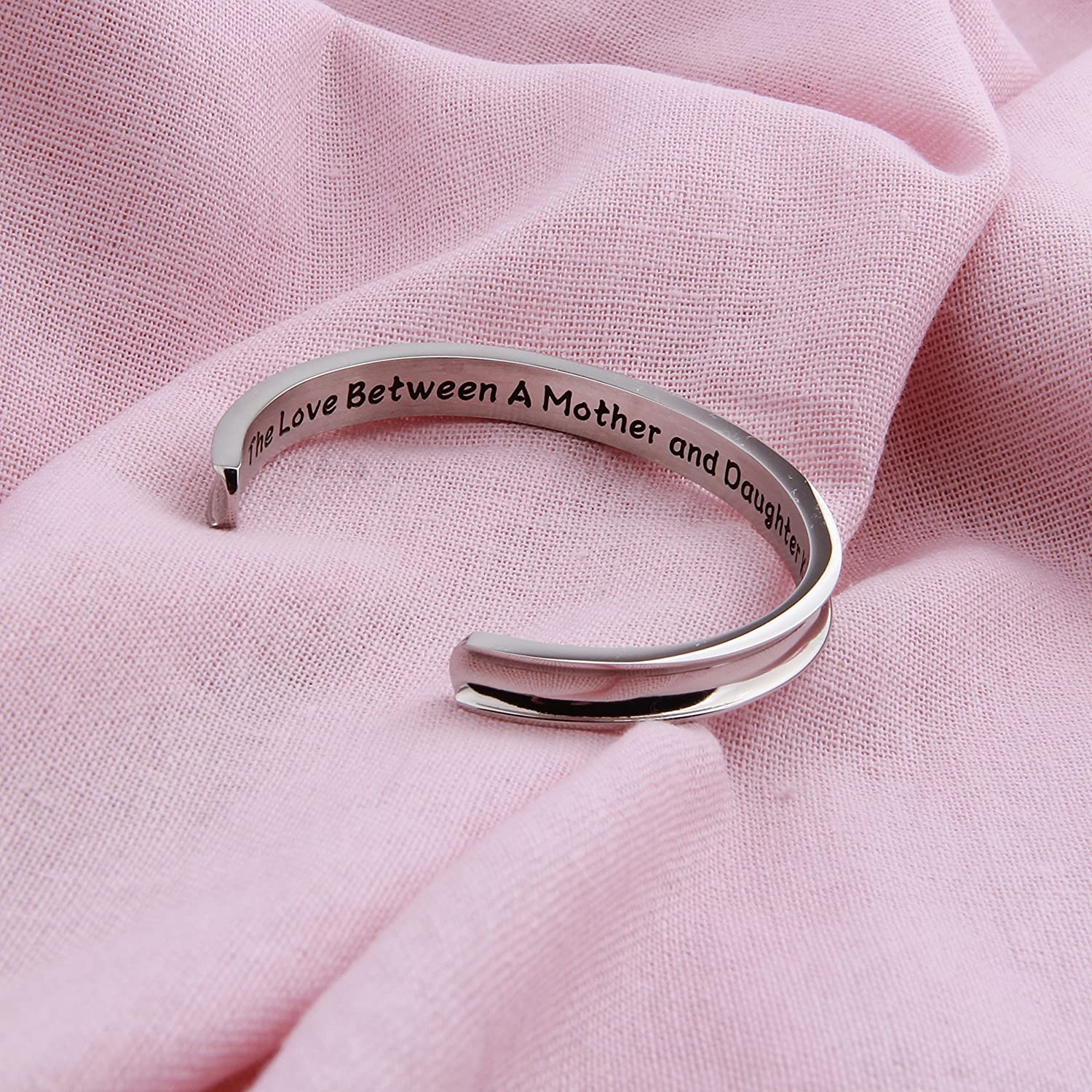 Hair Tie Bracelet The Love Between A Mother and Daughter Knows No Distance Mother Bracelet Mothers Day Gift