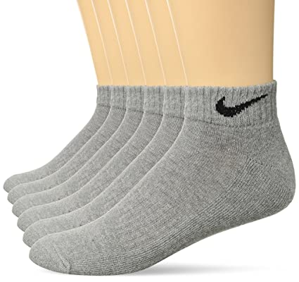 20b25da4051b Amazon.com  NIKE Performance Cushion Low Rise Socks with Bag (6 ...